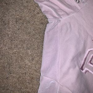 Cropped light pink sweatshirt